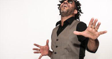 Tonho Costa e seu show As meninas da rua de cima nesta sexta-feira