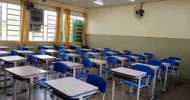 Escolas privadas perdem alunos e renda, mas, precisam manter funcionários: tem solução?